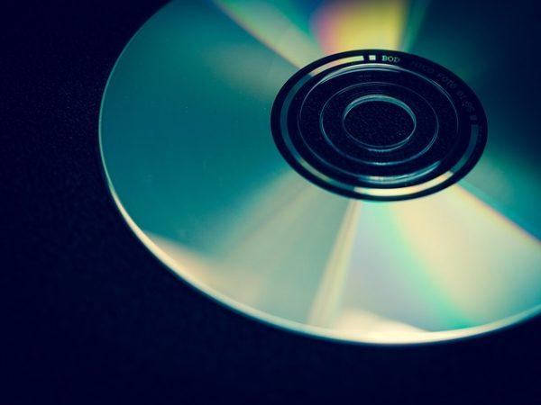 【歌詞】ゴールデンボンバー「#CDが売れないこんな世の中じゃ」
