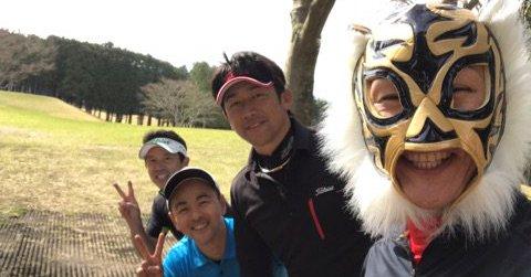 【4/20】ゴールデンボンバー話題まとめ 研二番長とゴルフ
