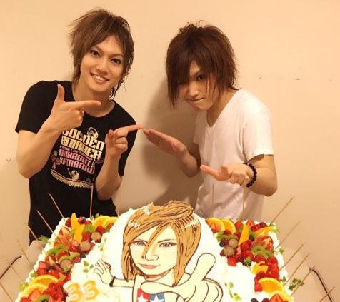 【6/22】ゴールデンボンバー話題まとめ HISASHIさんギターに「一生バカ」