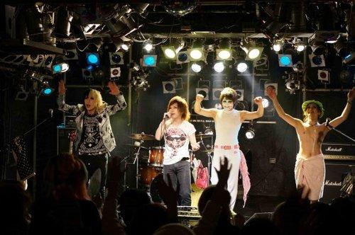news_large_GB_songs_04.jpg