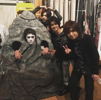 10/2(火)「うたコン」ゴールデンボンバー生放送ゲスト出演!紅白並みの銀テに演出!
